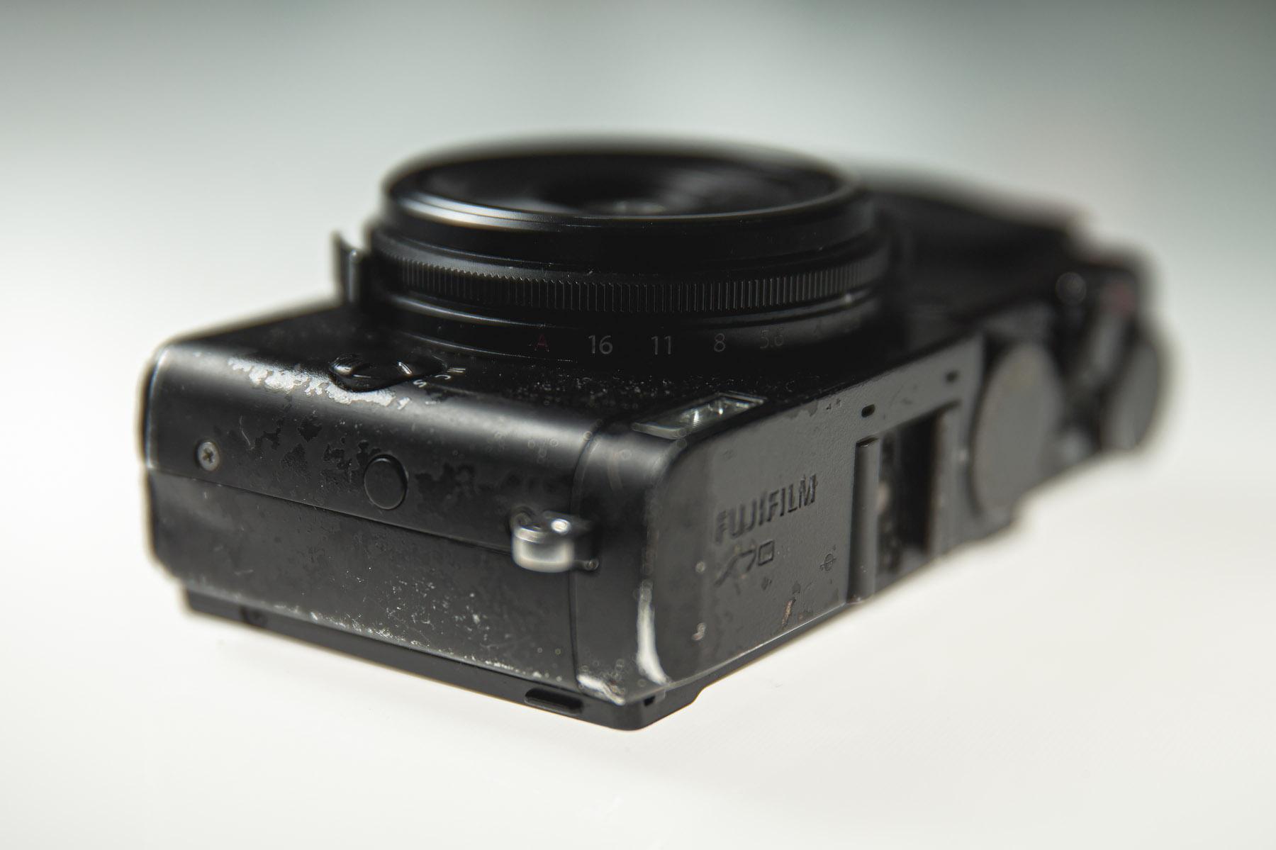 lakschade camera, lakschade, fujifilm x70 lakschade, fujifilm x70, aandachtspunten tweedehands camera